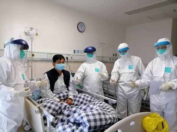 这名印度妇女被告知她没有患新冠肺炎肺炎,并且医院在她死后三天更换了她的