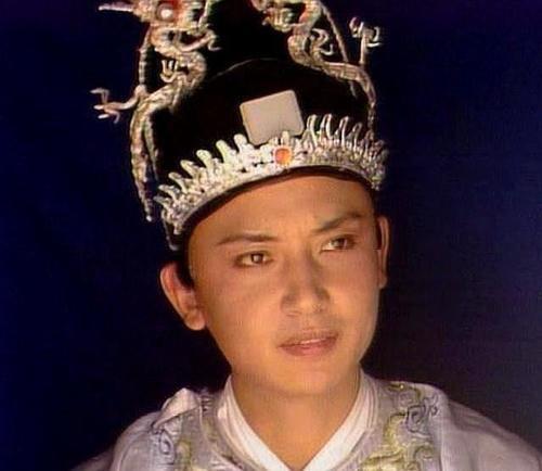 北静王府和贾家是什么关系,秦可卿葬礼给出答案,怪不得这么隆重