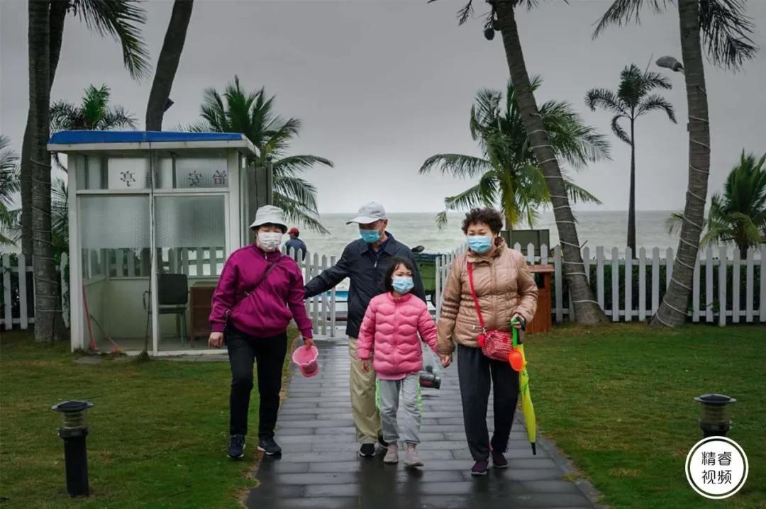 原创             中国最南端,疫情之下,港湾暂眠
