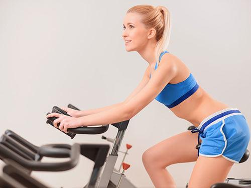 原创在家就能做的有氧运动早餐前锻炼可更好唤醒机体