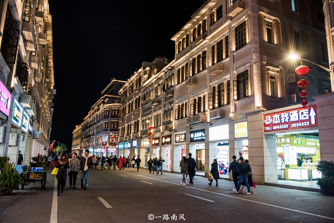 原创             福建两条最洋气的街道,到处都是骑楼,感觉像穿越到东南亚!