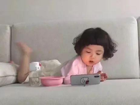 都说玩手机会让孩子近视,其实最严重的后果是这个