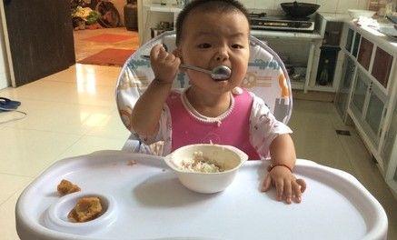 为让孩子吃饭而打屁股,孩子却离家出走,喂饭难的问题怎么解决