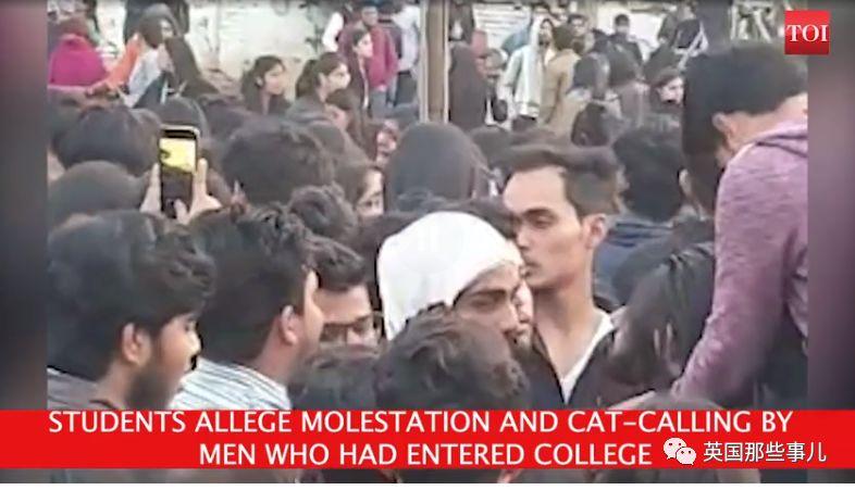 印度女校过个文化节,上千校外男子翻入校内各种性骚扰!然而警方...