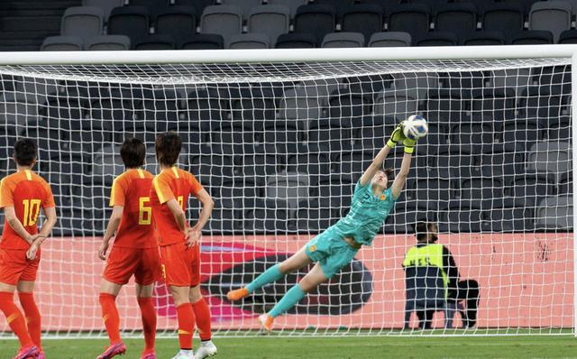 不会换人拖延时间,中国女足补时遭绝平,贾秀全成为球队第一罪人_比赛