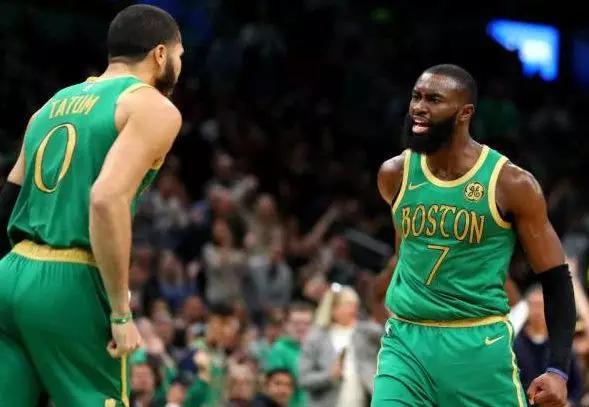 【料到体育】NBA焦点战:快船vs凯尔特人主场强势凯尔特人能否阻击快船?