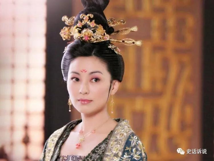 """皇后亲手杀害亲生女儿,皇帝愤怒:""""杀俺女儿,让你儿子陪葬"""""""