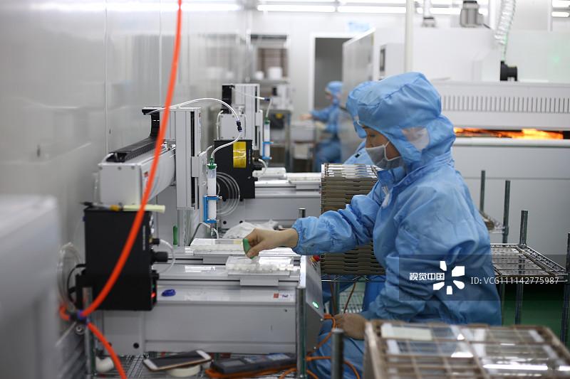 """工厂复工难、苹果带头闭店、5G换机潮被打断,手机厂商疫情下""""求生"""""""