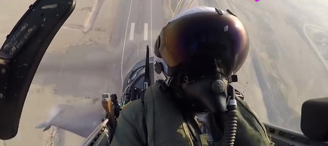 多国媒体负面评价lca战机,试飞员却表示:它的性能比苏30还要强