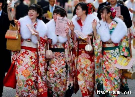 原创            日本的国歌看起来普通,可是翻译成中文,你会发现他们的野心很大!