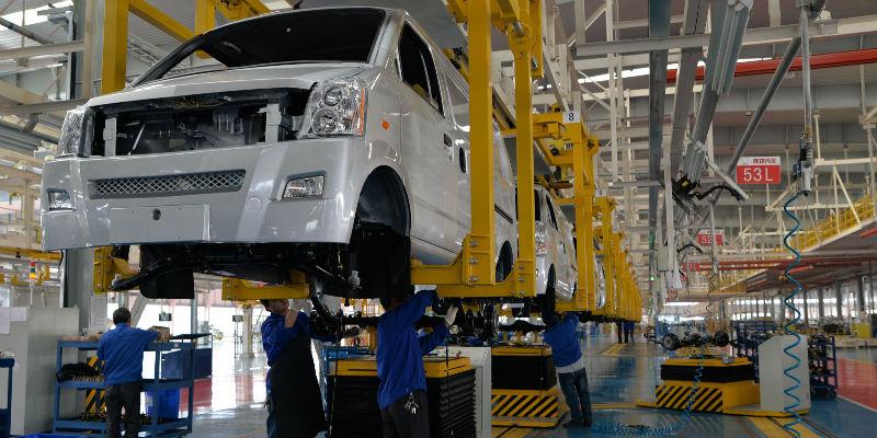 疫情下超七成车企开启复工:生产基地复产率仅约32% 产业营收日损失约150亿元