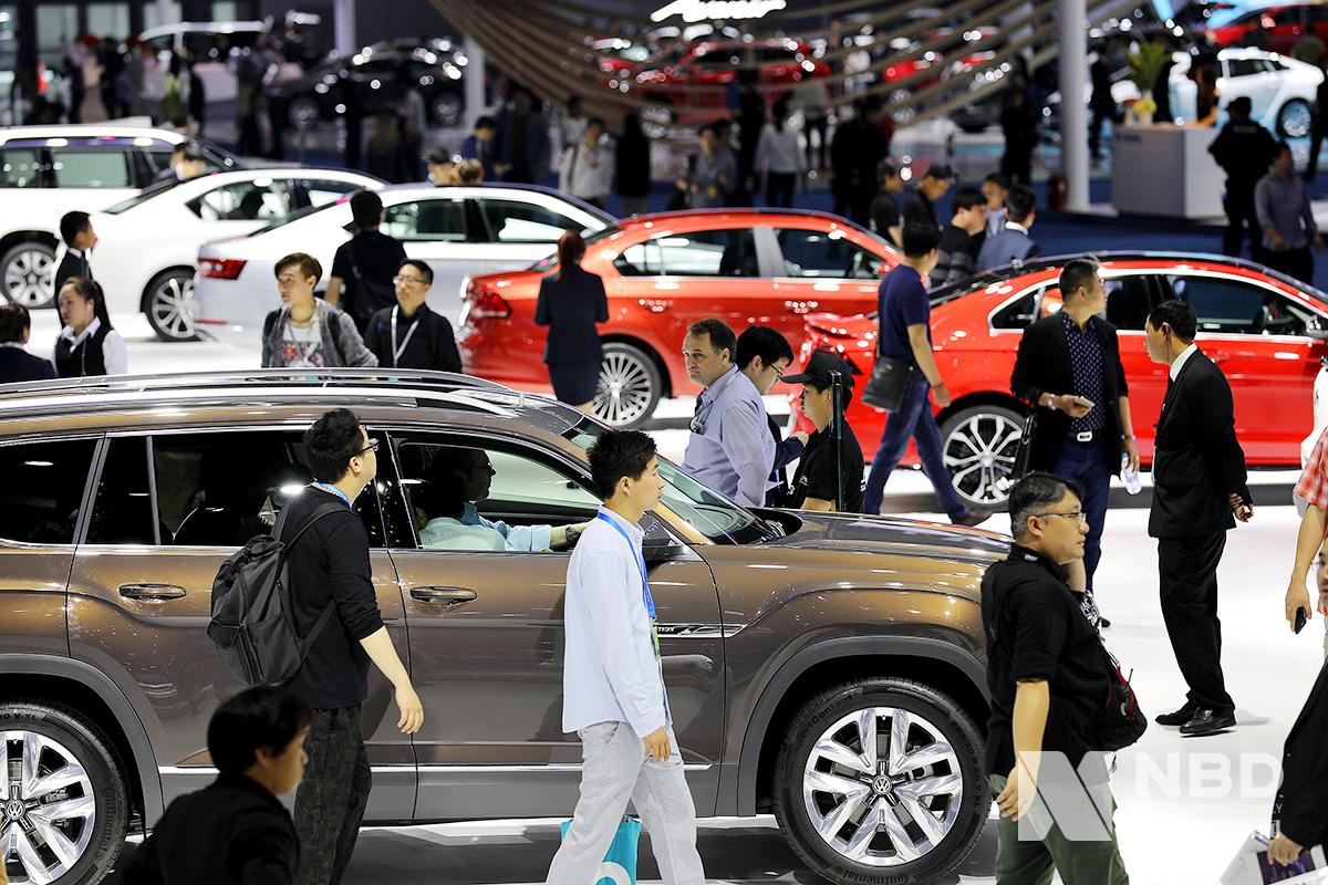 1月国内汽车销量同比下滑18%中汽协:全年车市不容乐观