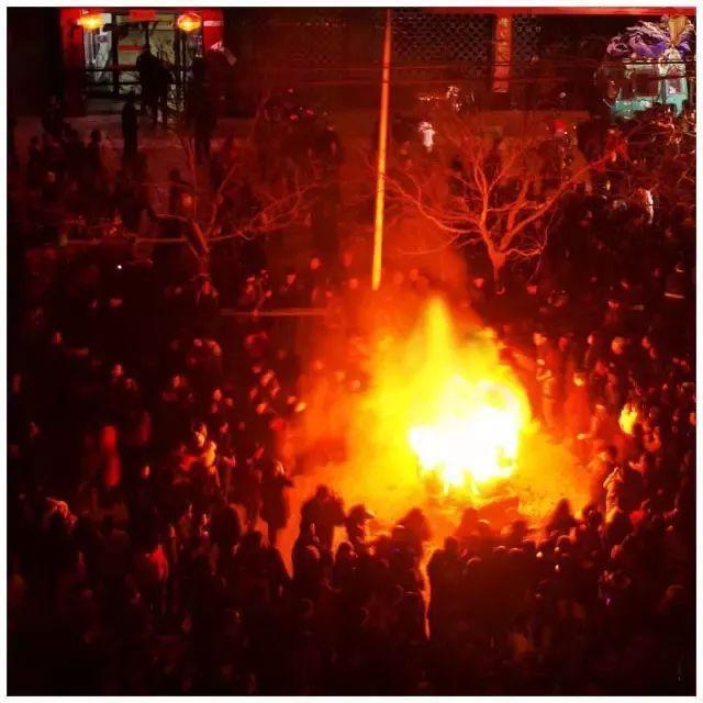 """为什么""""红火""""和""""闹红火""""是陕北最为典型的民俗文化?"""