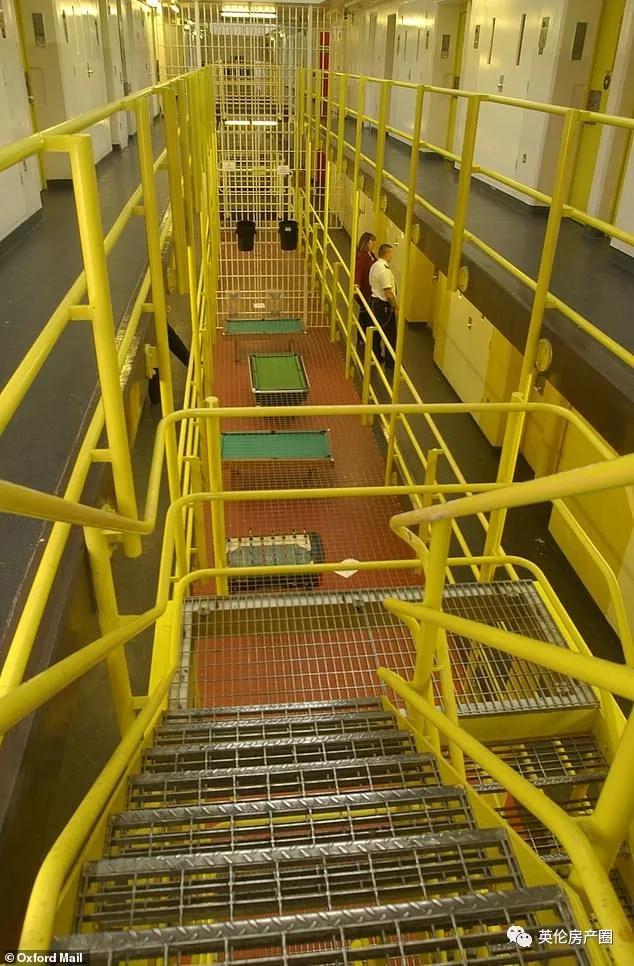 泰国回英国的毒贩在监狱突然病倒,狱友出现症状!监狱里一群犯人很恐慌…