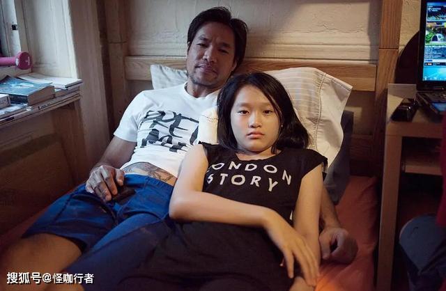 """""""蜗居""""在美国的华人,男女混住毫无隐私,为啥还不愿回祖国发展"""
