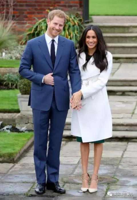 """""""她在假装爱哈里,一切都是演的!"""" 81岁王室评论员炮轰梅根,这...."""