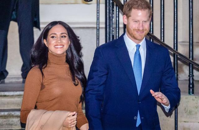 """原创 哈里""""走穴""""再提丧母之痛,英国主持人怒批:别再蹭戴安娜热度了"""