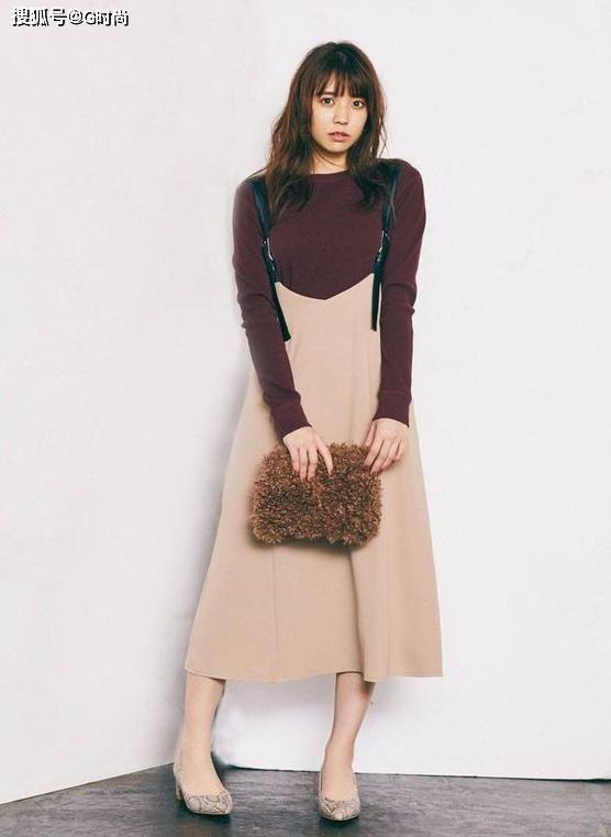 开春试试日系甜美背带连衣裙也能穿出成熟优雅的味道