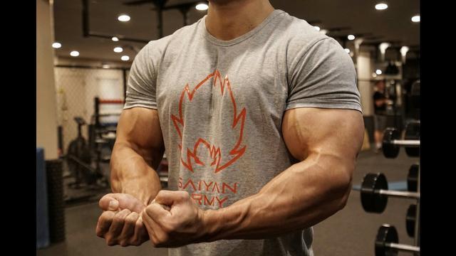 你对健身最大的误解,以为补够蛋白质就能增肌,其实它也很重要!