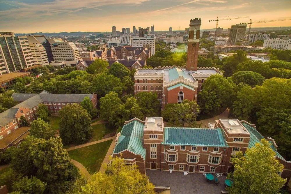 """捷报!范德堡大学ED2出炉!恭喜老查留学Wang同学开启""""南方哈佛""""求学之路!"""