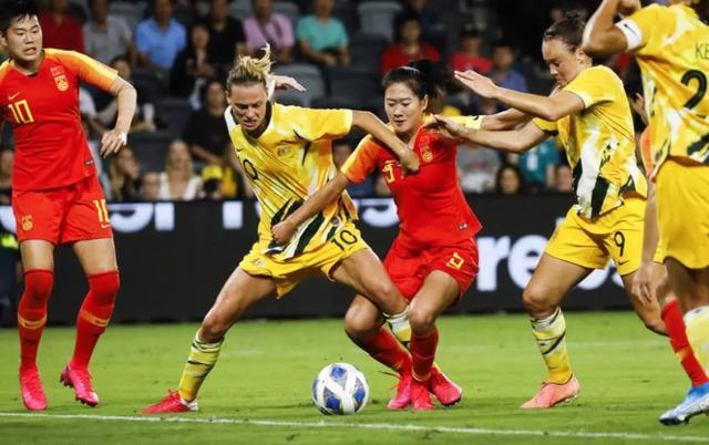 原创             澳媒承认女足单刀球被吹越位是误判,但却毫无歉意:幸运女神眷顾