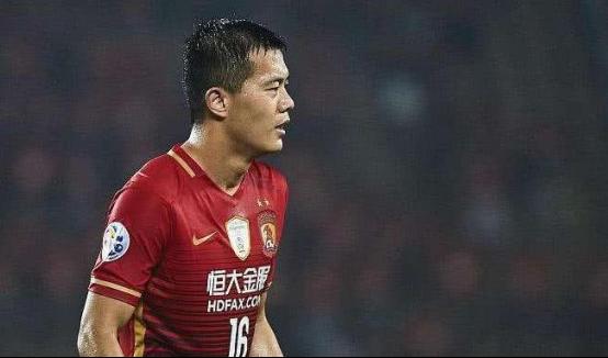 终于等到你!郑智未来退役恒大一人将成球队新领袖,表现深受认可_黄博文