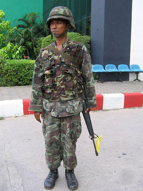 泰国皇家陆军,普遍仍然装备美国生产的M16A1/A2,由于保养不善,大部分都显得相当老旧