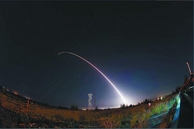 发生了什么?凌晨4点半,一枚导弹飞行6700公里摧毁太平洋上目标