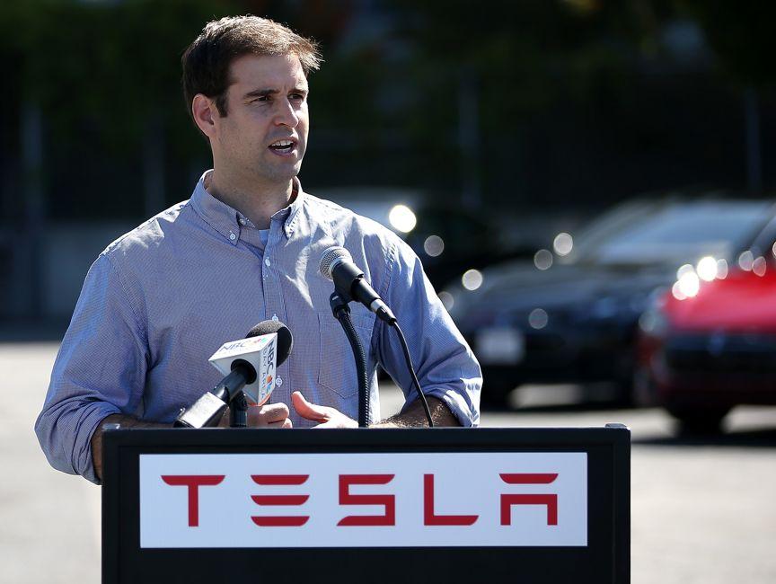 特斯拉:一边造车,一边造电池?