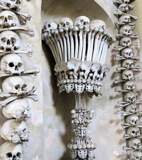 头皮发麻!用4万人骸骨堆成的一座教堂
