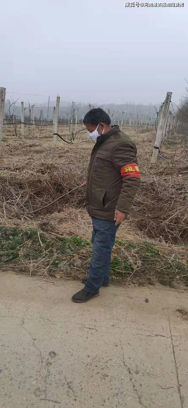 西峡县丹水镇朝阳村:扎实开展防疫期间环境卫生保洁工作