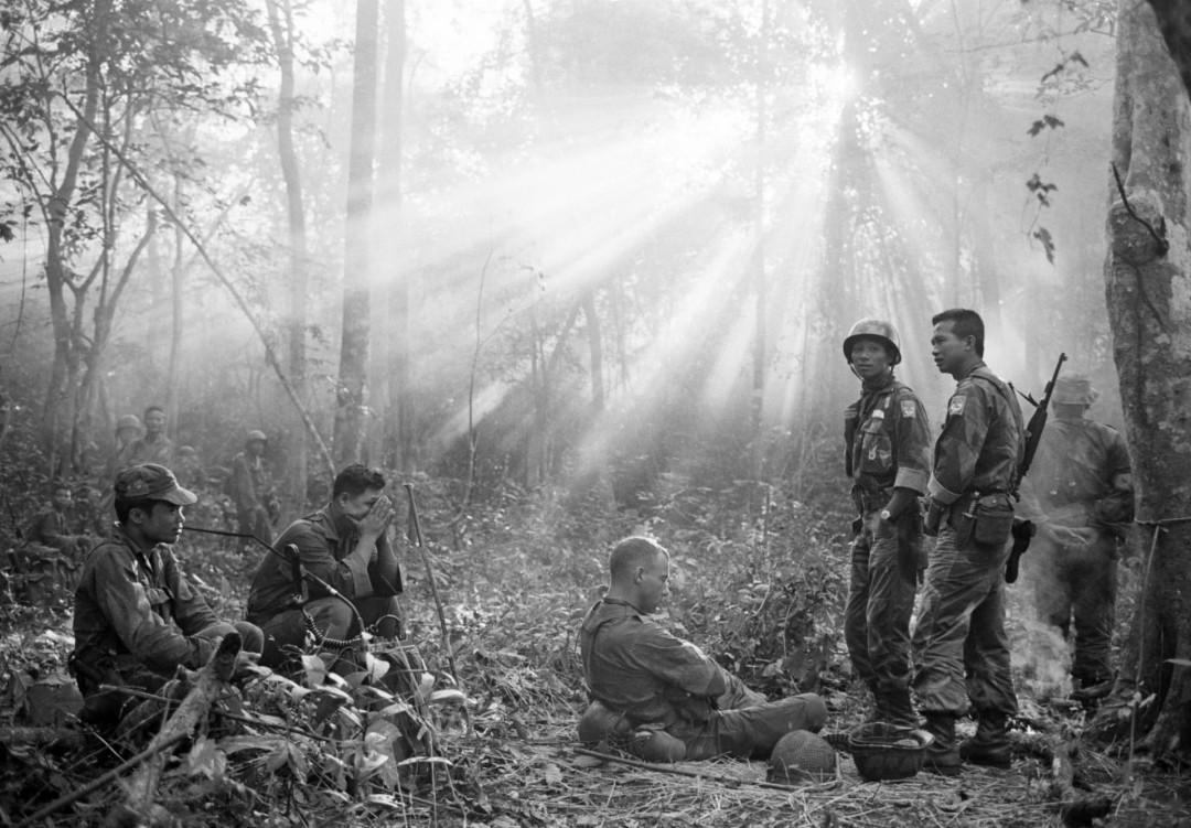 30架武直被成筛子, 美军被机枪重袭: 300架机枪早已等待多时