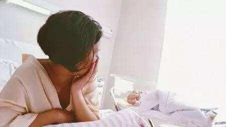 55年前的这组高清照片,完整记录了胎儿发育全过程,感叹母爱伟大