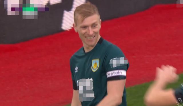 英超最新积分战报 利物浦17连胜多曼城25分 阿森纳被挤出前十