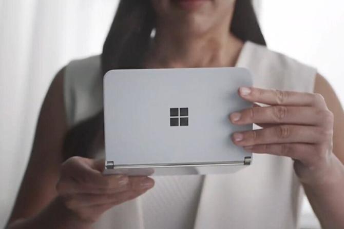 微软Surface Duo直播时翻车:双屏显示直接失灵?