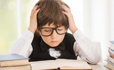 孩子考场看见题目就一片空白?提高孩子的考试抗压力,家长要知道