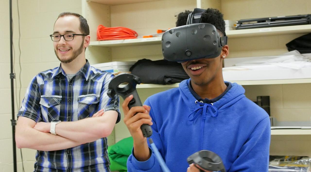 美国在线教育进入细分时代:VR课堂、AI聊天机器人、在线高中出现