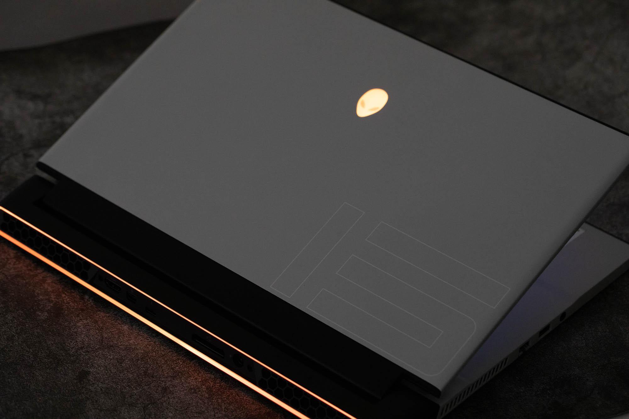 可用眼睛操控的轻薄笔记本,戴尔外星人m15 R2 体验