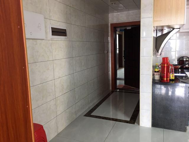 硬装9万搞定,全屋红棕色橱柜简单大气,餐厅厨房包一起第一次见!