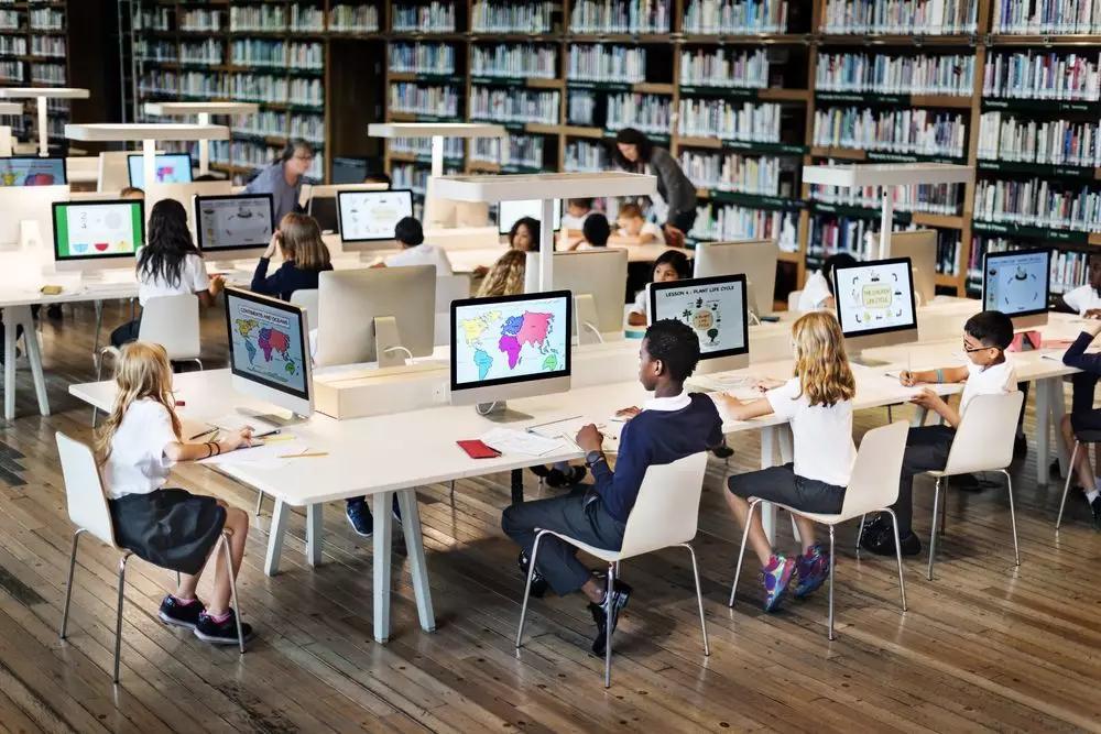 """在线教育""""爆红"""":撑住了,做到了,未来怎么办?"""
