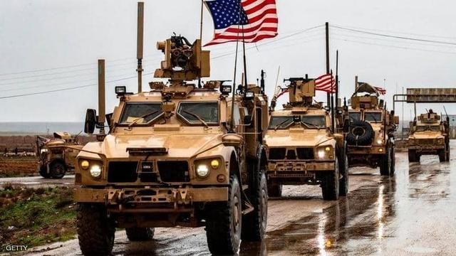 大批美军仓促撤到邻国!美使馆和军事基地同遭袭,无奈卷铺盖走人