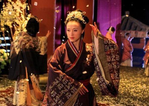 原创            吕雉不是恶毒的代表,她为汉朝做了这些,功绩很大,当时没人承认