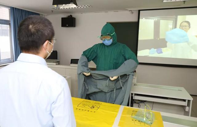 全员皆兵:北京协和医院全面开展重症与防护员工培训