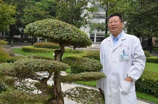 新冠肺炎|首例新冠肺炎遗体解剖主刀人刘良:打破常规救人要紧!