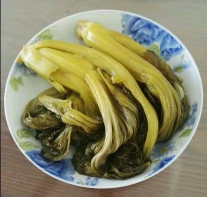 农村用淘米水就能腌出酸菜,不烫不煮不加醋,简单方便酸爽又健康