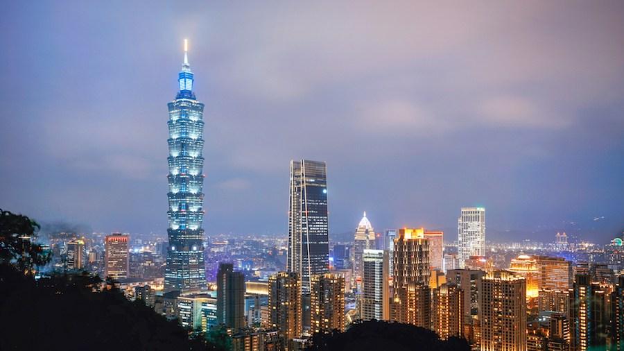 台湾的经济总量和香港_香港台湾男歌手名单