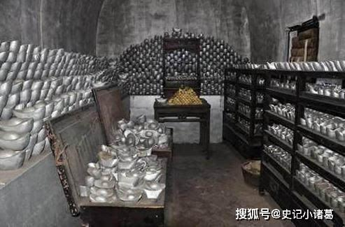 原创            清朝灭亡后, 国库内的金银还有多少? 打开门后现场的人都懵了