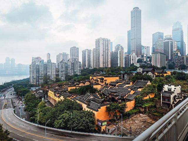重庆长江索道旁有一处精美古建筑群,也是网红打卡点