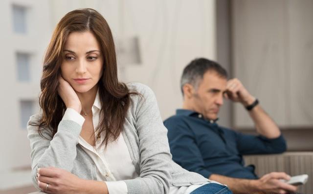 """男人45到55岁是""""生死坎"""",8件事再喜欢也忍住,别再让身体透支"""