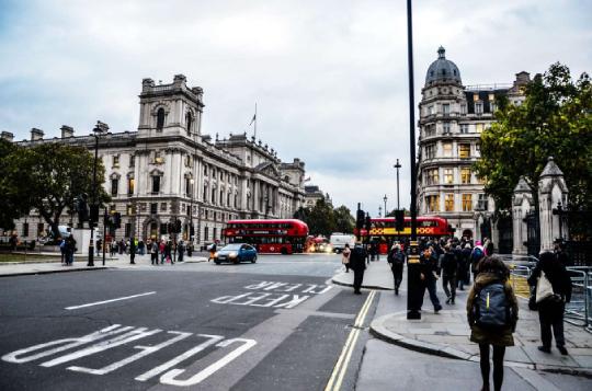 出国留学,选择英国还是选择美国呢?_英国新闻_英国中文网